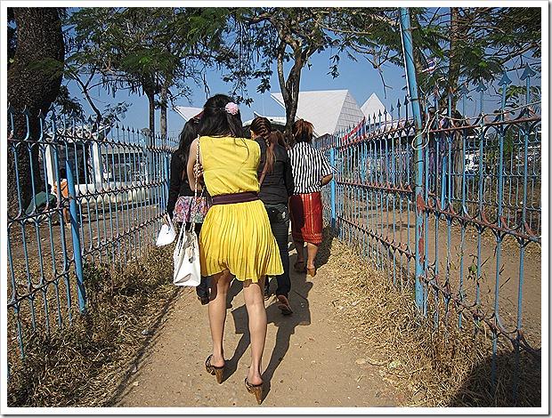 タイ・ウボンラチャタニから陸路でラオス・パクセーへ