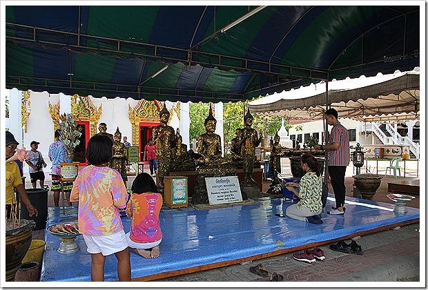 トンクン寺院(Wat Thong Khung)